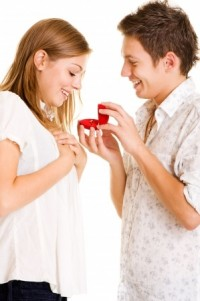 Promise ring 2 - meaning of promise rings - guy giving promise ring to girl