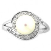 Cultured-Freshwater-Pearl-Ring-White-Gold