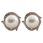 White Gold, Diamond and Freshwater Pearl earrings